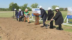 Arlington ISD breaks ground on first school rebuilding project