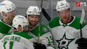 Comeau, Hintz lead Stars past Blackhawks, 5-1