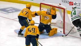 Khudobin stops 21 as Stars beat Predators 4-1