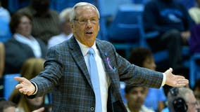 Hall of Fame coach Roy Williams retiring after 33-year run