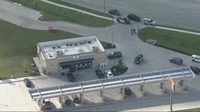2 men arrested, 2 hospitalized after shootout in Grapevine parking lot
