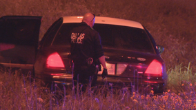 Police searching for gunman who shot teens driving in Dallas