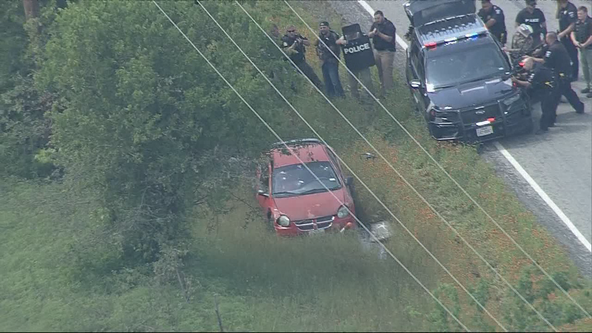 Police chase along I-35W ends with standoff in Johnson County