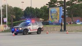 Teen killed in shooting outside Hurricane Harbor in Arlington