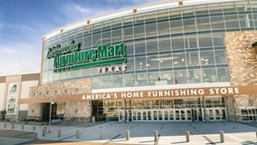 Nebraska Furniture Mart ups pay for new, current warehouse workers