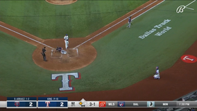 Twins take lead on consecutive wild pitches, top Rangers 3-2