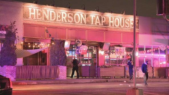 1 injured in gun battle outside Dallas sports bar