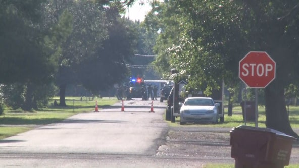 Police: Barricaded suspect killed himself after shooting Honey Grove officer