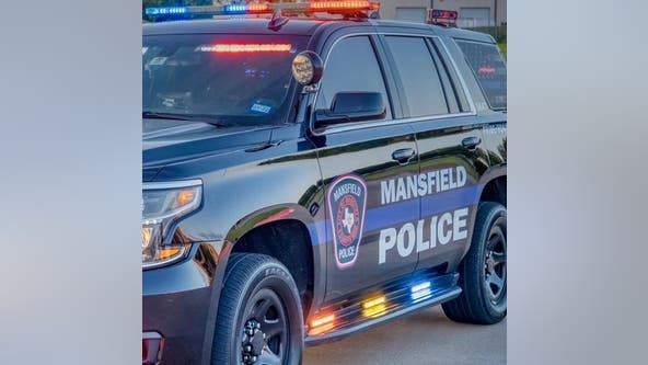 Mansfield police searching for suspect who opened fire at basketball court, injuring 18-year-old