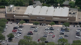Police investigating fatal shooting outside Tom Thumb in Richardson
