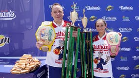 Joey Chestnut, Michelle Lesco win Nathan's Hot Dog Eating Contest