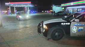 Driver eludes Dallas police after woman found shot in vehicle