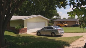 87-year-old woman found murdered in her Oak Cliff home