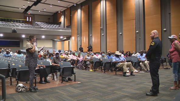 Dallas police chief meets with Oak Cliff community members after 87-year-old's murder