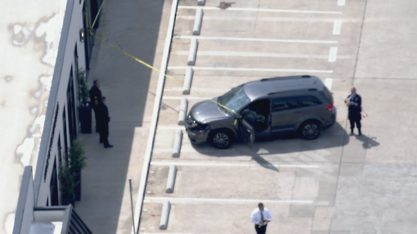 Man shot in attempted carjacking outside Dallas restaurant