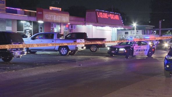 Man shot following argument at Dallas strip mall