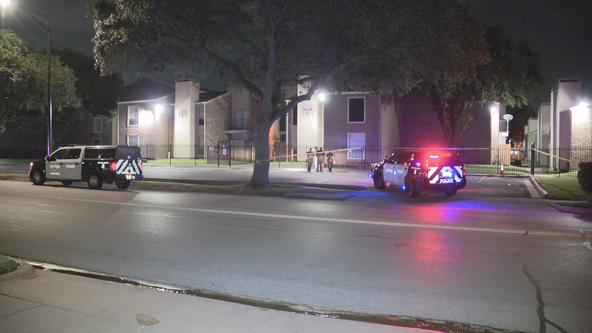 Police: Man shot while trying to buy used car at Fort Worth apartment complex overnight