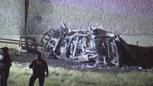 3 dead, 2 injured in overnight fiery crash in Dallas