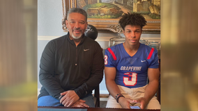 Grapevine football player runs for touchdown after visiting dad in COVID-19 ICU