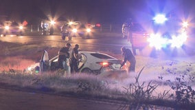 Woman tries to flee on 3 tires in Kaufman County police chase