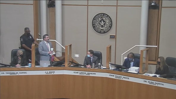 Dallas Co. Commissioner JJ Koch escorted from meeting after refusing to wear mask
