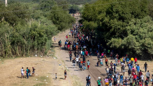 Thousands of Haitian immigrants congregate at tiny Texas border town