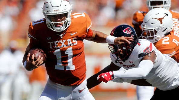 Thompson throws 5 TD passes as Texas routs Texas Tech 70-35