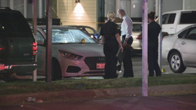 Man found fatally shot in vehicle outside Dallas apartment complex