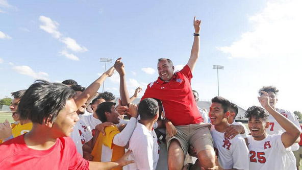 Beloved Arlington ISD soccer coach dies of COVID-19
