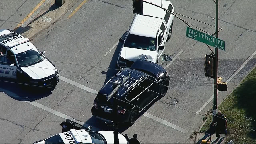 Carjacking suspect stole two vehicles while being chased by Dallas police