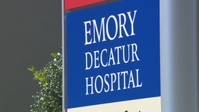 Mother gives birth outside Decatur hospital