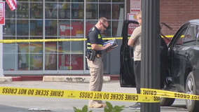 Police: Suspect dead, officer injured after scuffle at Roswell gas station