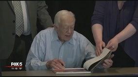 Former President Jimmy Carter receives statesmanship award