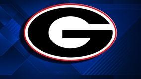 Maxwell's slam helps Georgia roll early, beat Mercer 13-3