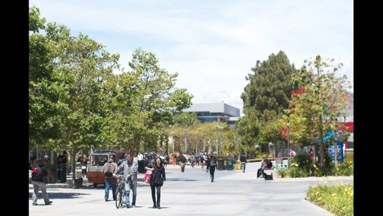 6bd55bf4-California makes the first year of community college free-407068.jpg