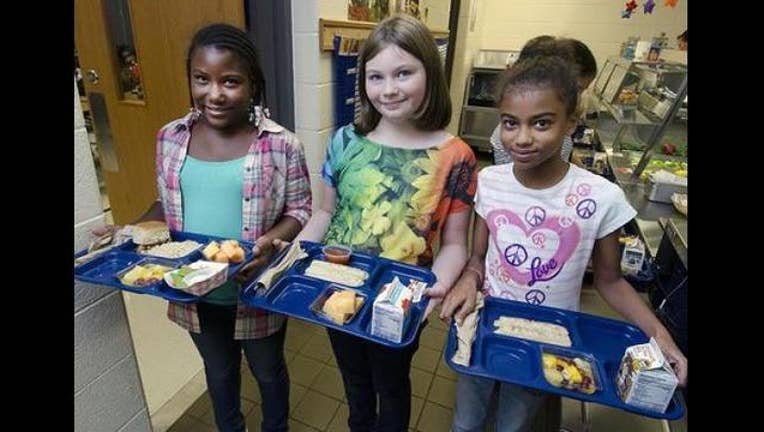 New California law allows schools to donate food leftovers-407068.jpg