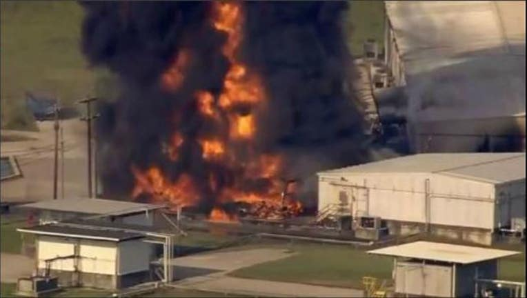 Fire at Arkema chemical plant in Crosby, Texas-404023