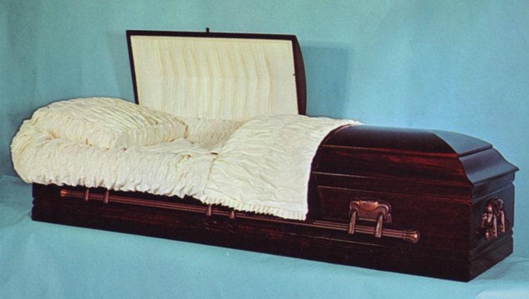 58121203-casket coffin_1487709766800-404023.jpg