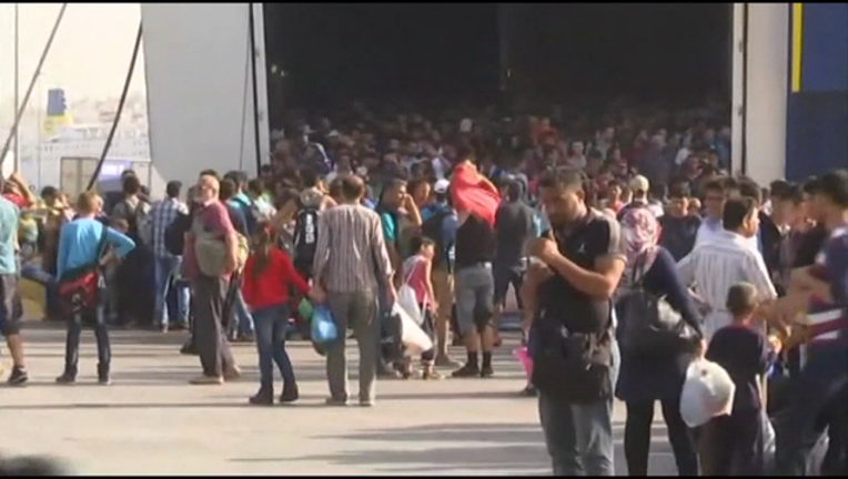 5A-V-SYNDER HOLD ON SYRIAN REFUGEES_WAGA09a5_146.mxf_00.00.00.20_1447709945238.png
