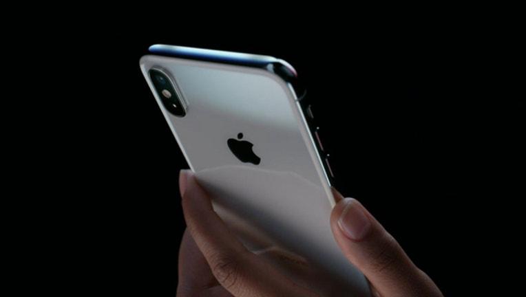 Apple_IphoneX2_1505244612202-404959-404959.jpg