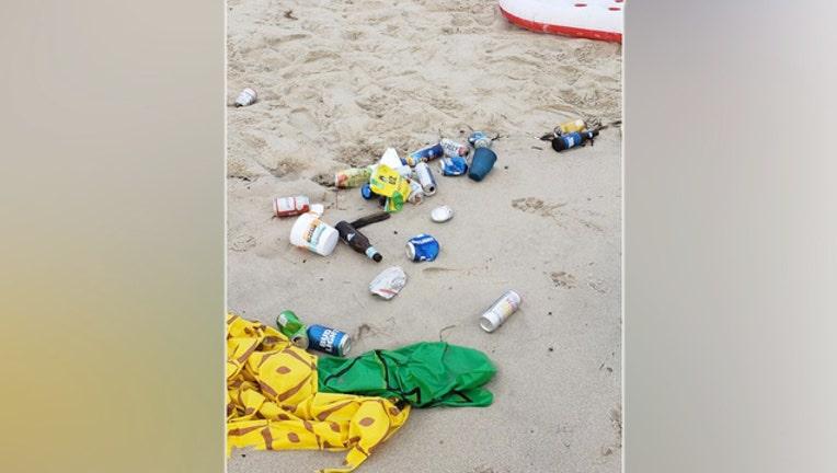 1430cafe-Barry Preston_trash on the beach_052819_1559054108299.jpg-403440.jpg