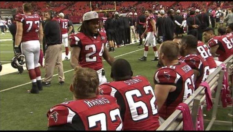 df31becd-Devonta Freeman offensive line Falcons