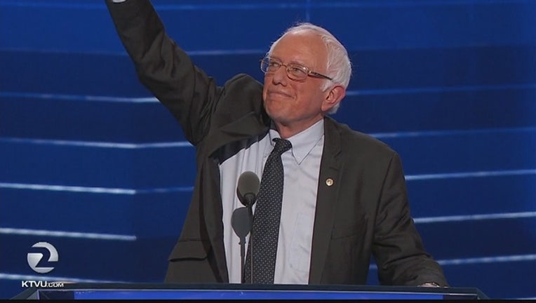 DNC__Bernie_Sanders_unites_behind_Hillar_0_20160726054516-405538