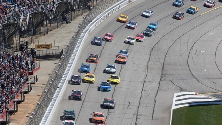 509f7b13-Folds of Honor QT Race NASCAR AMS_1478875886397.jpg