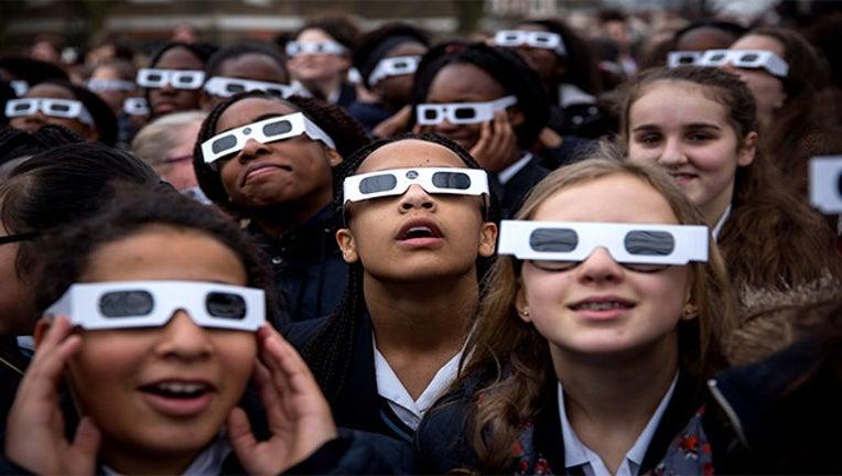 GETTY-eclipse glasses_1501085161519-403440.jpg