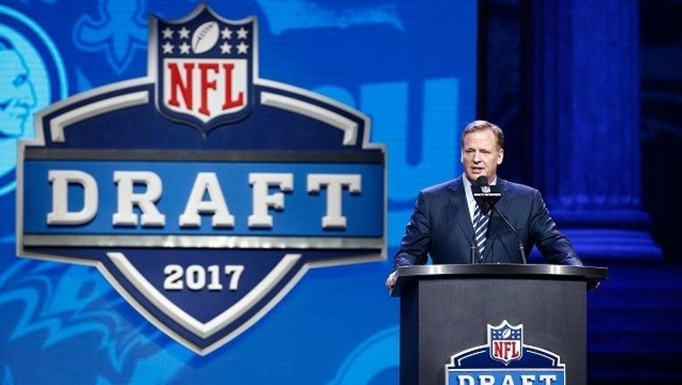 3045a014-GETTY 2017 NFL Draft-401096