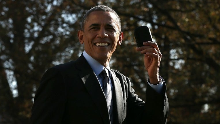 GETTY Barack Obama Phone-401096