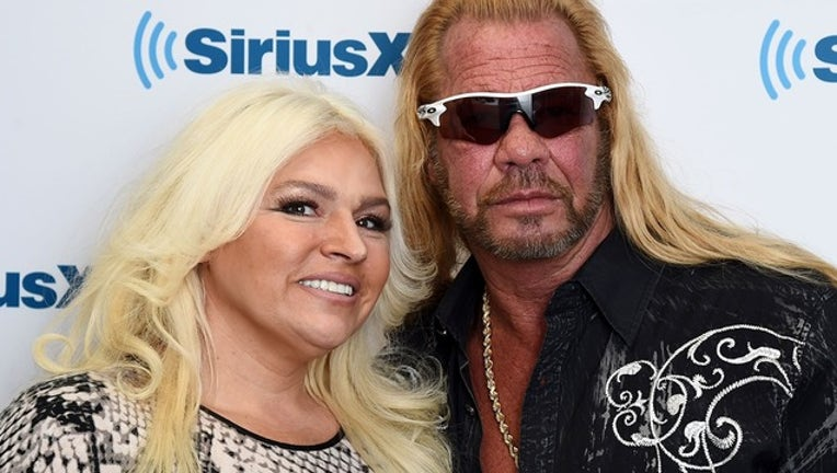 3af51821-GETTY_dog the bounty hunter and beth chapman_071419_1563112294168.png-402429.jpg