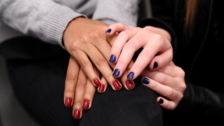 44233c41-GETTY_nails_010119_1546353227335-402429.png