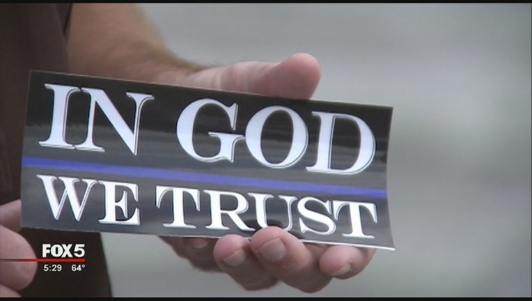 In_God_We_Trust_Stickers_0_20151201223852